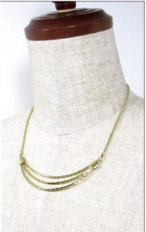 芸能人がカイモノラボで着用した衣装ネックレス