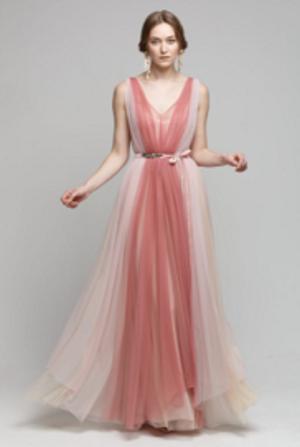 芸能人がパンテーンミラクルズXmasリボンツリーで着用した衣装ドレス