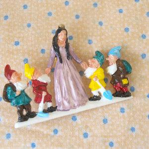 芸能人が女くどき飯で着用した衣装服飾小物