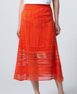 芸能人がTABILABOで着用した衣装スカート