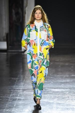 芸能人がグータンヌーボ2で着用した衣装ワンピース