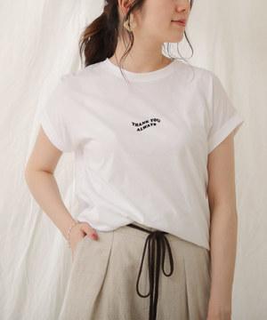 芸能人が偽装不倫で着用した衣装Tシャツ