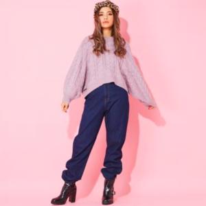 芸能人がガールズスマホマガジン「MiRu」で着用した衣装デニムパンツ