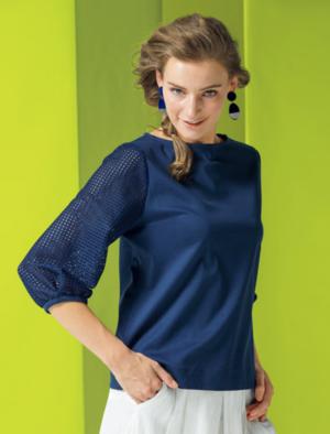 芸能人が女性セブンで着用した衣装Tシャツ/カットソー