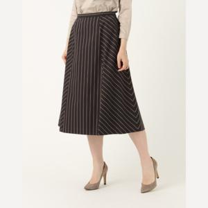 芸能人が女性セブンで着用した衣装スカート