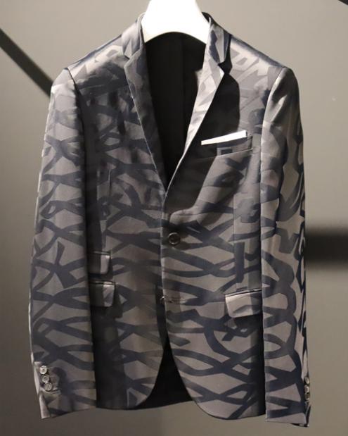 芸能人がアナザースカイで着用した衣装アウター