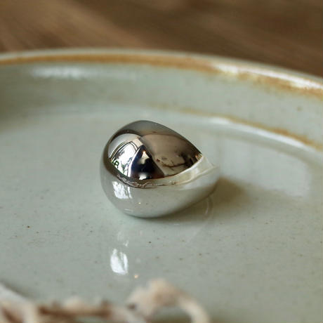 ReFaireのSmall Round Shell Ring