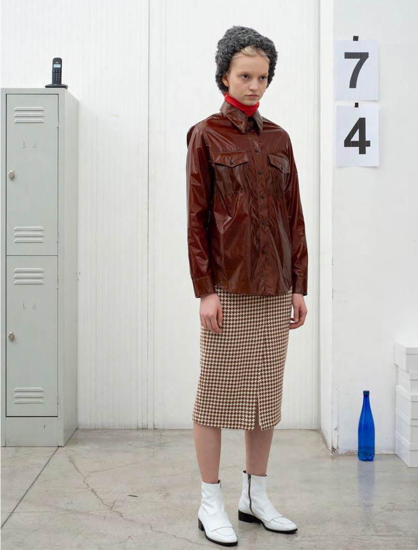 芸能人がアメトーーク!で着用した衣装カットソー、スカート、ジュエリー