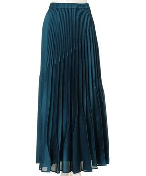 芸能人が趣味どきっ!で着用した衣装ブラウス/スカート