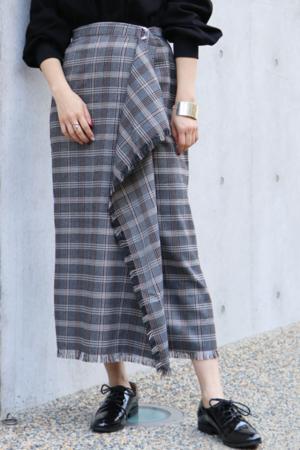 芸能人がWの悲喜劇〜日本一過激なオンナのニュース〜で着用した衣装スカート