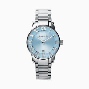 芸能人が同期のサクラで着用した衣装腕時計