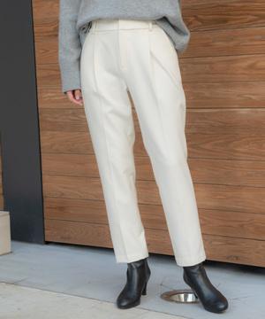 芸能人がモトカレマニアで着用した衣装パンツ