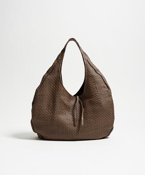 芸能人が4分間のマリーゴールドで着用した衣装バッグ