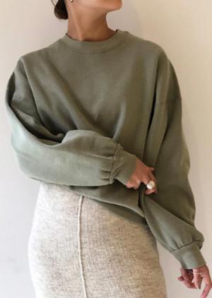 芸能人がニッポンノワールー刑事Yの反乱ーで着用した衣装スウェット
