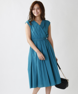 芸能人が新日本カレンダー 2020年で着用した衣装ワンピース