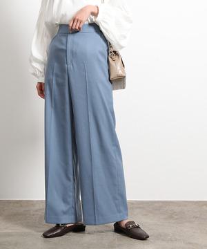 芸能人が同期のサクラで着用した衣装パンツ