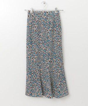 芸能人がG線上のあなたと私で着用した衣装スカート