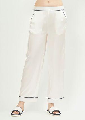 芸能人が俺の話は長いで着用した衣装パジャマパンツ