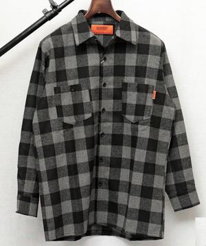 芸能人がニッポンノワールー刑事Yの反乱ーで着用した衣装シャツ