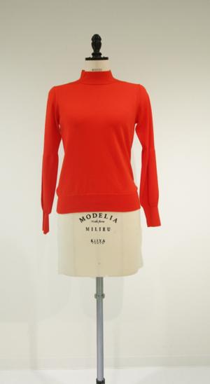 芸能人がリベラルタイムで着用した衣装ニット/セーター