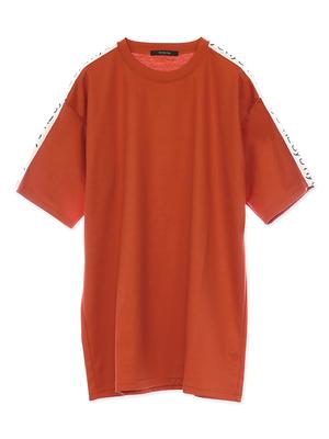 芸能人がまだ結婚できない男で着用した衣装Tシャツ