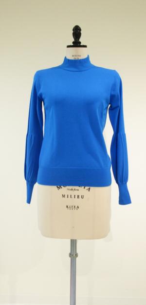 芸能人がビジネスレポートSで着用した衣装ニット/セーター