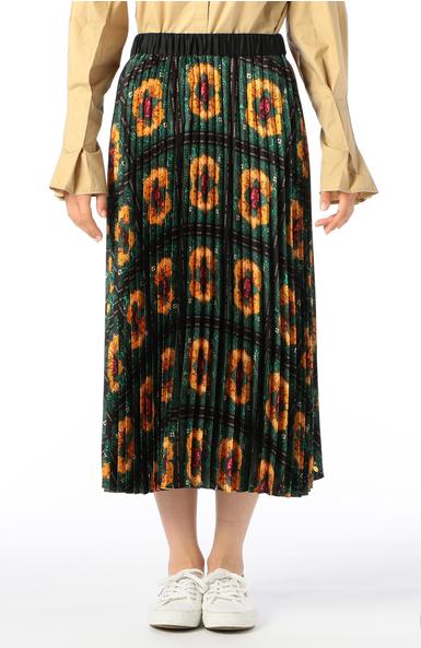 芸能人がソクラテスのため息~滝沢カレンのわかるまで教えてください~で着用した衣装スカート