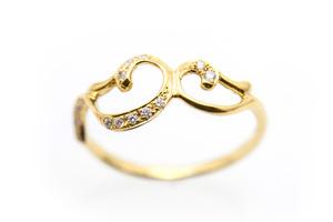 芸能人がまだ結婚できない男で着用した衣装指輪