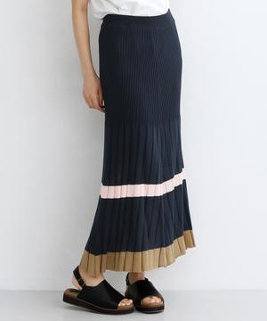 芸能人がまだ結婚できない男で着用した衣装スカート