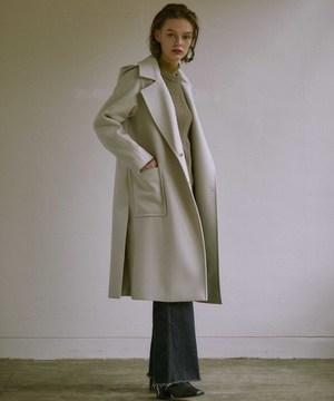芸能人がG線上のあなたと私で着用した衣装コート