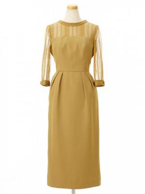 芸能人が4分間のマリーゴールドで着用した衣装ドレス