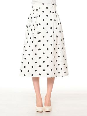 芸能人が旅ずきんちゃんで着用した衣装スカート