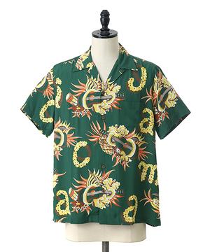 芸能人がタメ旅で着用した衣装シャツ/パンツ