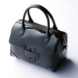 芸能人がBAILAで着用した衣装バッグ