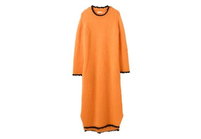 芸能人がニンゲン観察バラエティ モニタリングで着用した衣装ワンピース