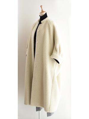芸能人がやしろツアーズで着用した衣装コート