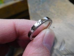 芸能人が知らなくていいコトで着用した衣装指輪