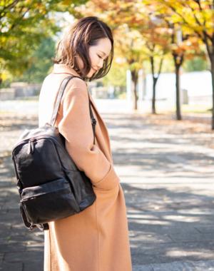芸能人が来世ではちゃんとしますで着用した衣装バッグ