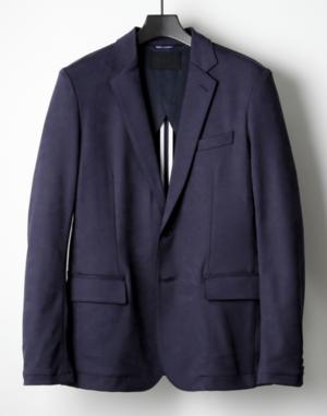 芸能人がアパレルデザイナーで着用した衣装テーラードジャケット
