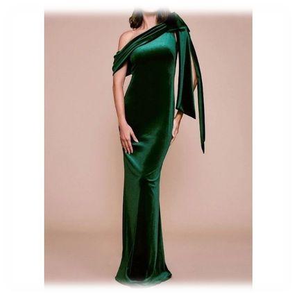 芸能人が表彰式 ジュエリーベストドレッサー賞で着用した衣装ワンピース