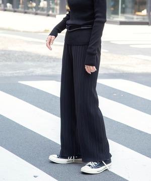 芸能人がDASADAで着用した衣装パンツ