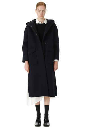 芸能人がアライブ がん専門医のカルテで着用した衣装コート