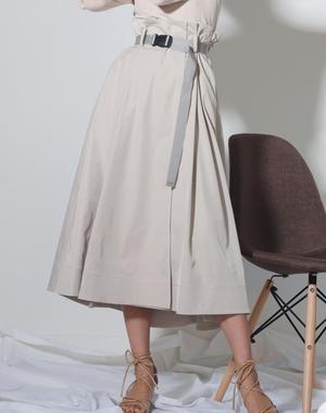 芸能人が10の秘密で着用した衣装スカート