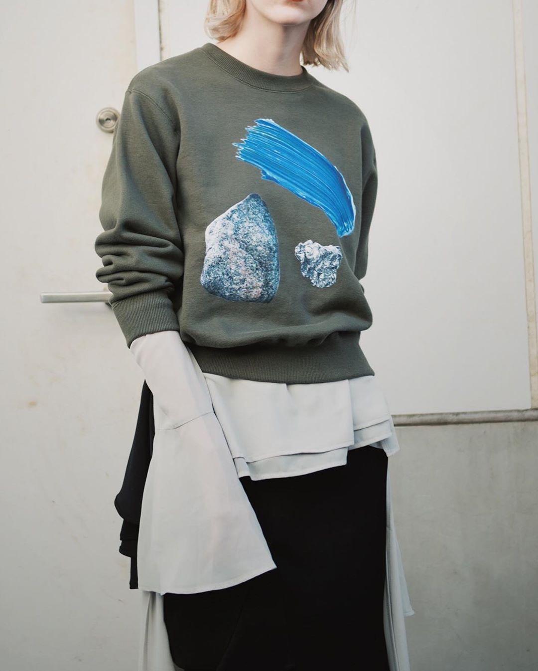 芸能人がA-Studioで着用した衣装カットソー、シャツ、スカート、ジュエリー、シューズ
