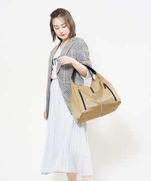 芸能人がアライブ がん専門医のカルテで着用した衣装バッグ