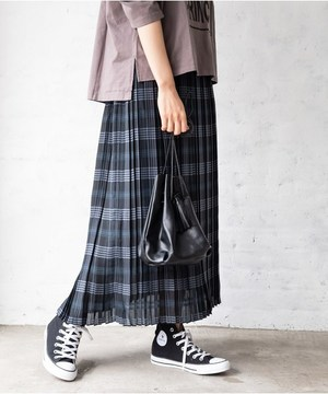 芸能人がランチ合コン探偵 ~恋とグルメと謎解きと~で着用した衣装スカート