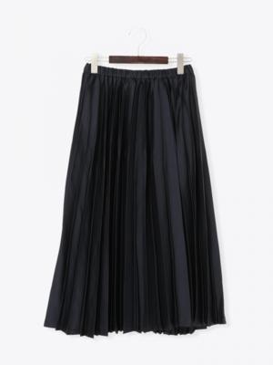 芸能人がテセウスの船で着用した衣装スカート