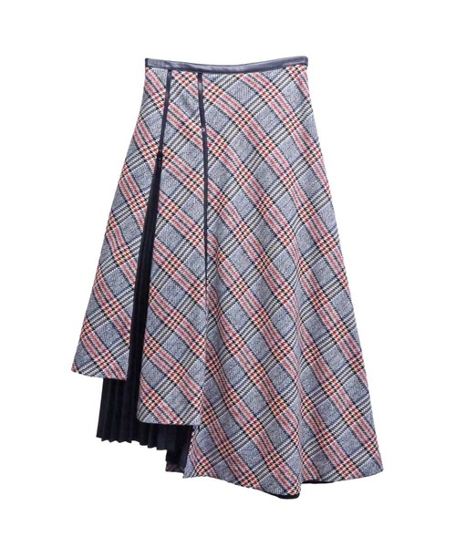 芸能人がその他の人に会ってみたで着用した衣装スカート