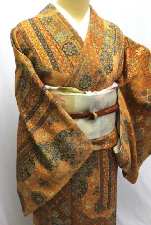 芸能人がケイジとケンジ 所轄と地検の24時で着用した衣装着物