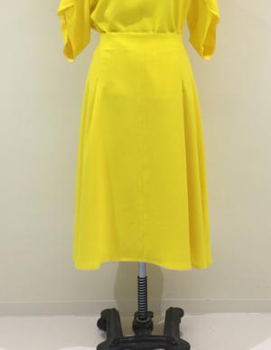 芸能人が水前寺清子デビュー55周年特別番組  55チータ!人生は三百六十五歩のマーチで着用した衣装スカート